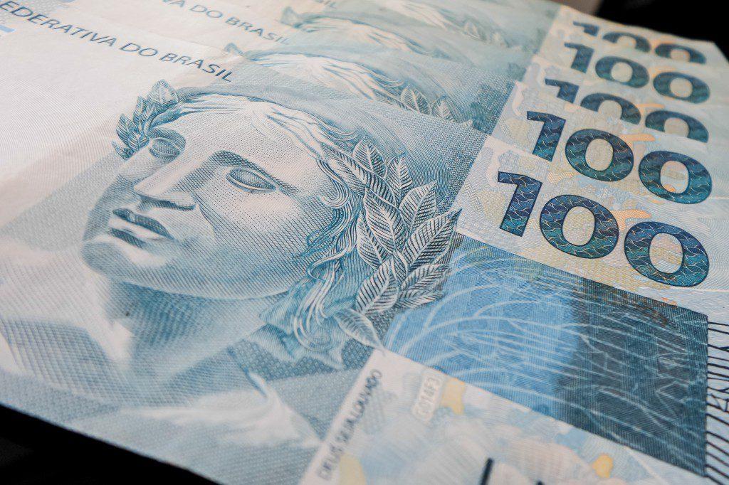 dívidas, União prevê negociar R$ 56 bilhões em dívidas tributárias para empresas afetadas por Covid-19