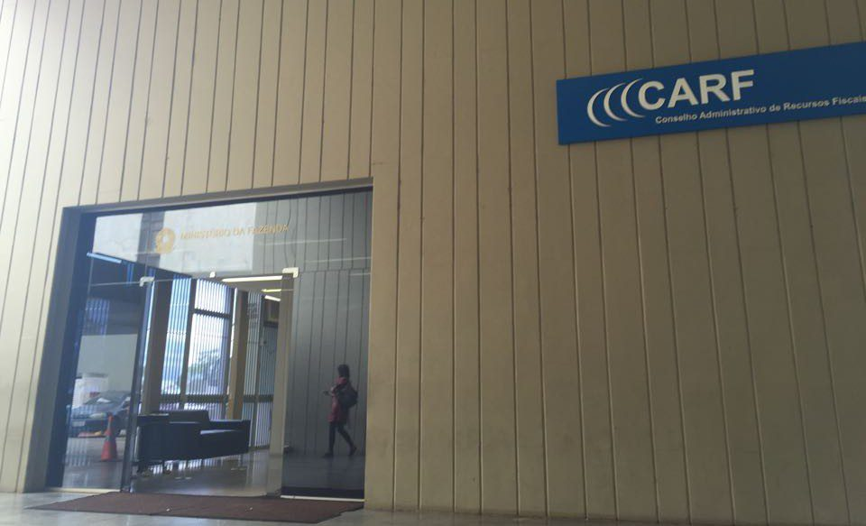 Conselheiros do Carf usam voto de qualidade para conhecimento de recurso mesmo após alteração legislativa