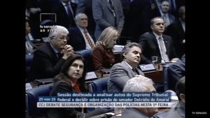 Senado vota sobre prisão de Delcídio