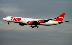 TAM_A340-500_PT-MSN_FRA-SAT