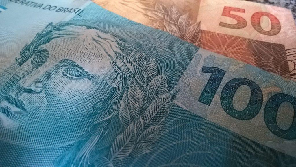 Dinheir Imposto de Renda Novo RIR