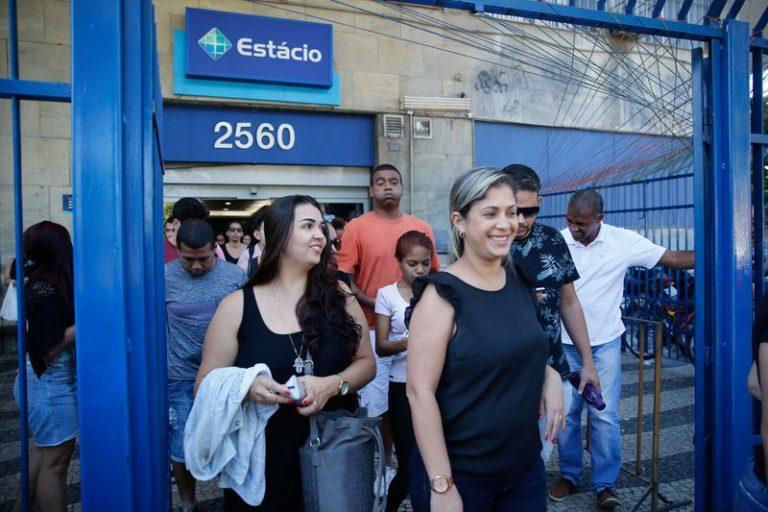 Justiça suspende demissões de professores na Estácio de Sá