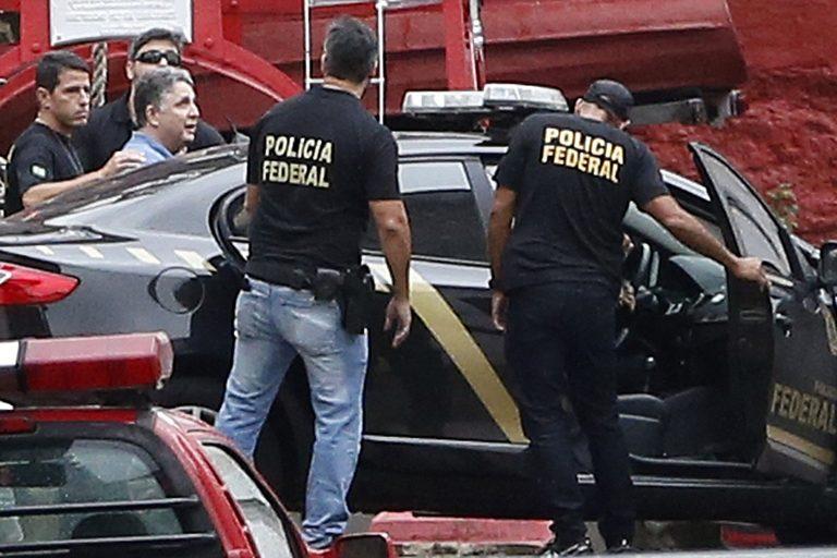 Ex-governador Anthony Garotinho deixa a prisão