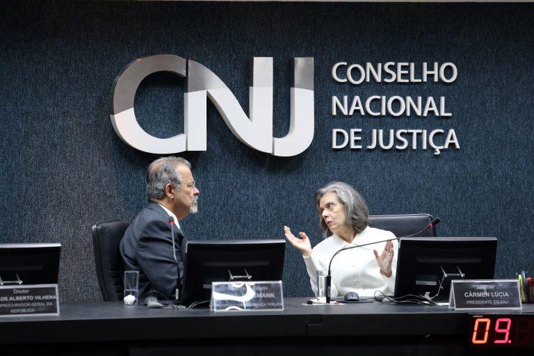 CNJ apresenta Cadastro Nacional de Presos para Raul Jungmann
