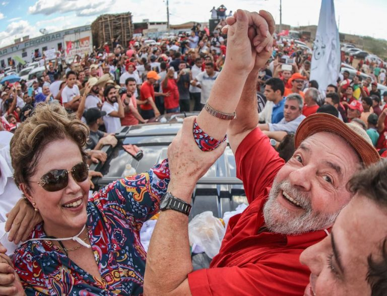 Fachin envia ação contra Lula e Dilma à Vara Federal no DF