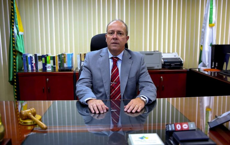 Justiça do Distrito Federal manda soltar Joesley Batista