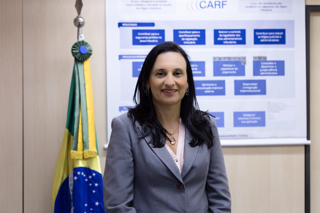 adriana-carf-presidente-súmulas