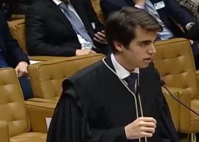 jovem advogado
