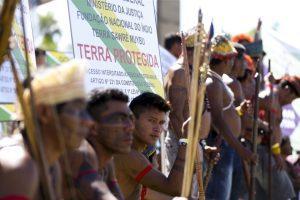 indígenas; índios