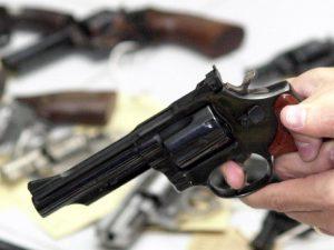 Armas; legítima defesa